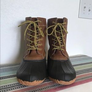 American Eagle Duck Boots size 9